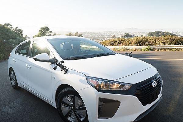 Hyundai Ioniq Featuring Roadble Synapse Interface