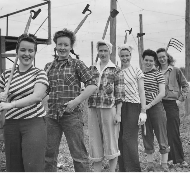 Women's Land Army, Oregon, 1944.