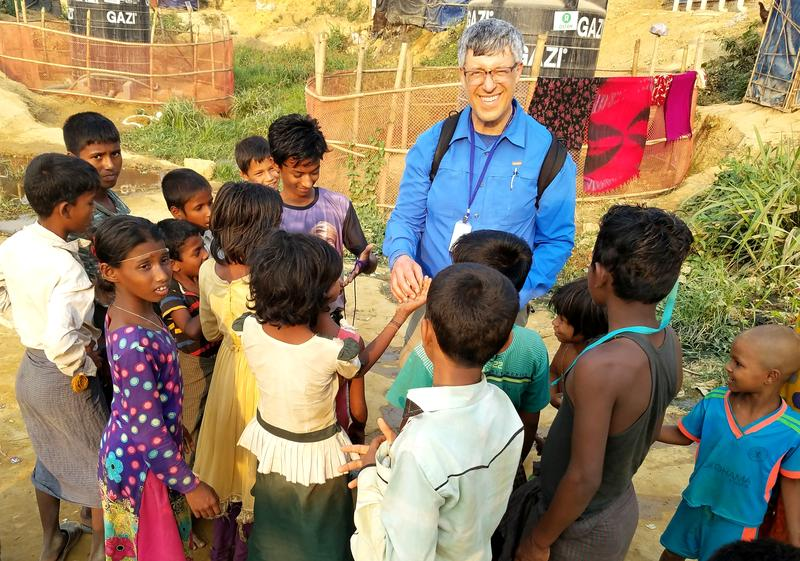 Rabbi Jeffrey Glickman with Rohingya friends at Kutupalong refugee camp in Bangladesh