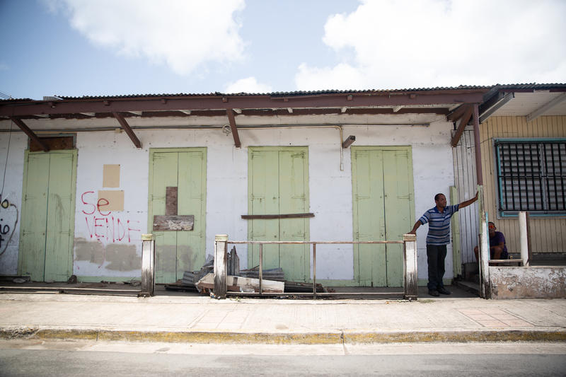 A building for sale in the town of Isabel Segunda in Vieques. Photo by Ryan Caron King.