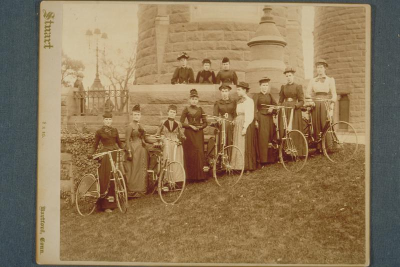 Ladies Cycle Club of Hartford, on hill near Soldiers and Sailors Arch, 1890