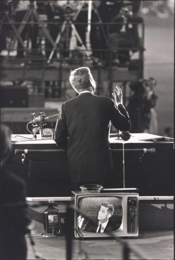 <em>Democratic National Convention, Los Angeles</em>, 1960, printed 1992. Gelatin silver print. Yale University Art Gallery.