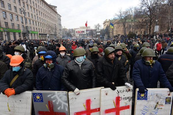 A line of protesters in Kiev on January 20, 2014.