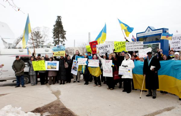 Not far away, a group of Ukrainian-Americans called for sanctions against Russia in light of the situation in Crimea.