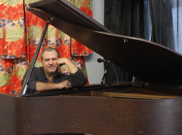 Dan Blow at the piano