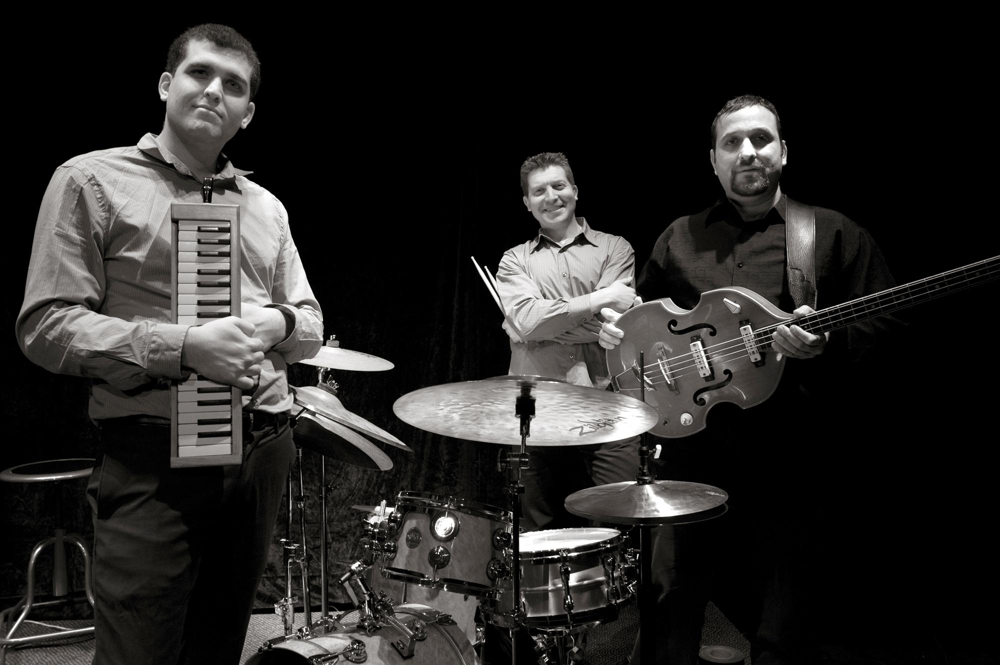 Israeli trio fuses modern jazz with middle eastern sounds for Assaf lebanese cuisine