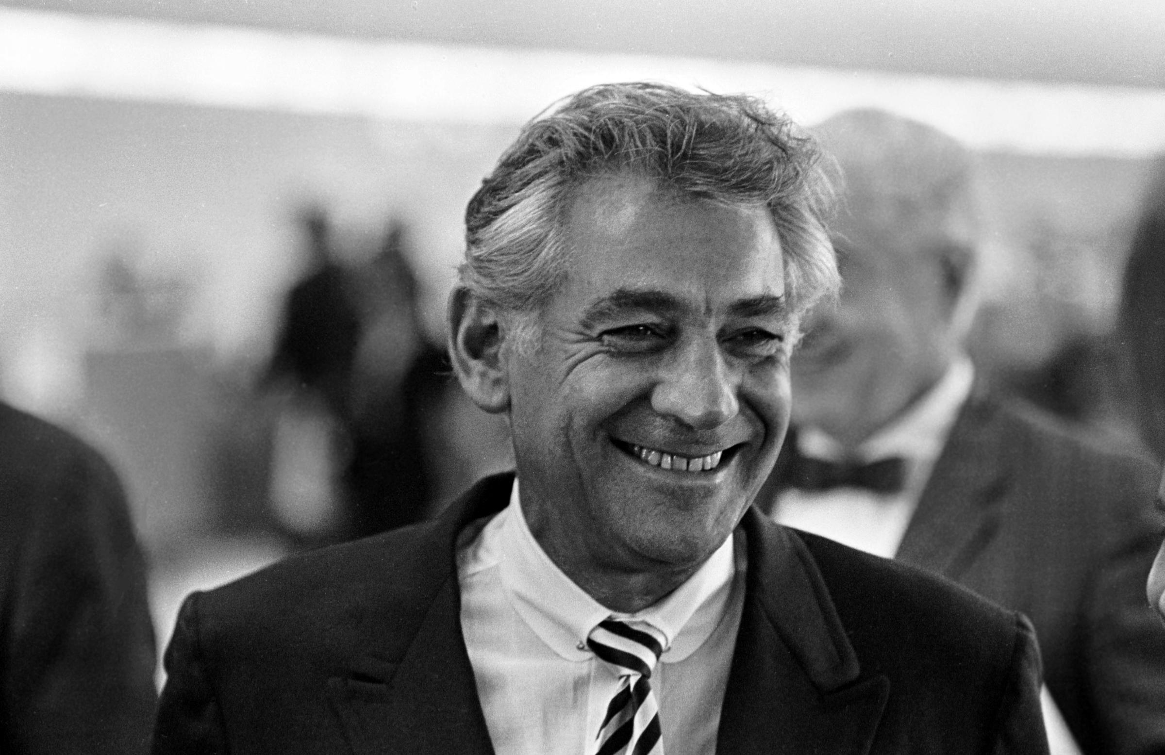 leonard bernstein Leonard bernstein (1918-1990) was a celebrity american conductor and composer as principal conductor and music director of the new york philharmonic, he was without peer, so much so that the orchestra had a difficult time recovering when he departed the podium.