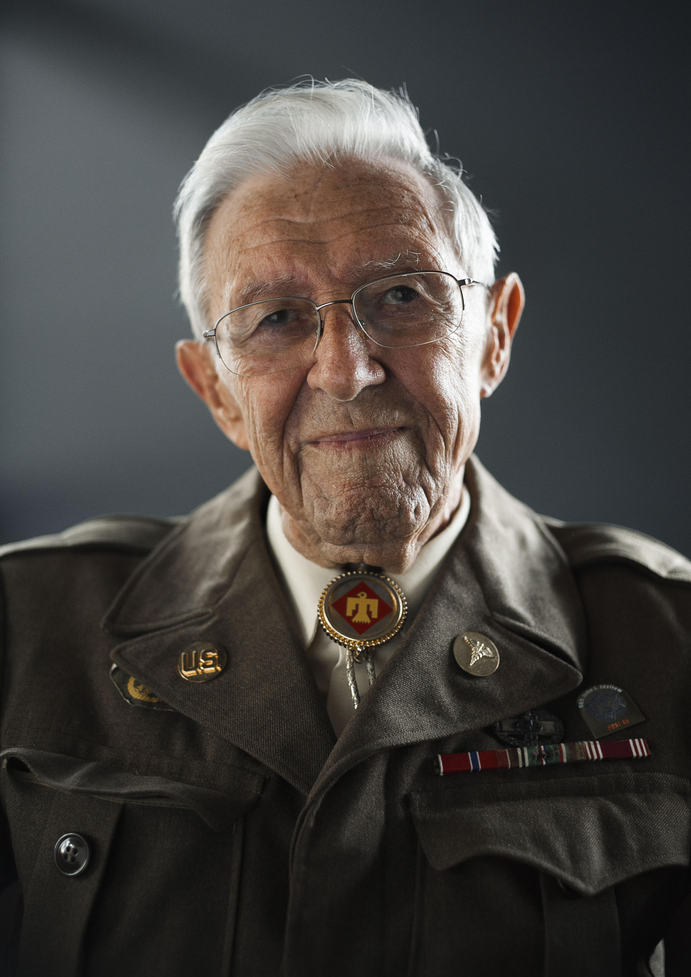 connecticut veteran teaches students about world war ii and the