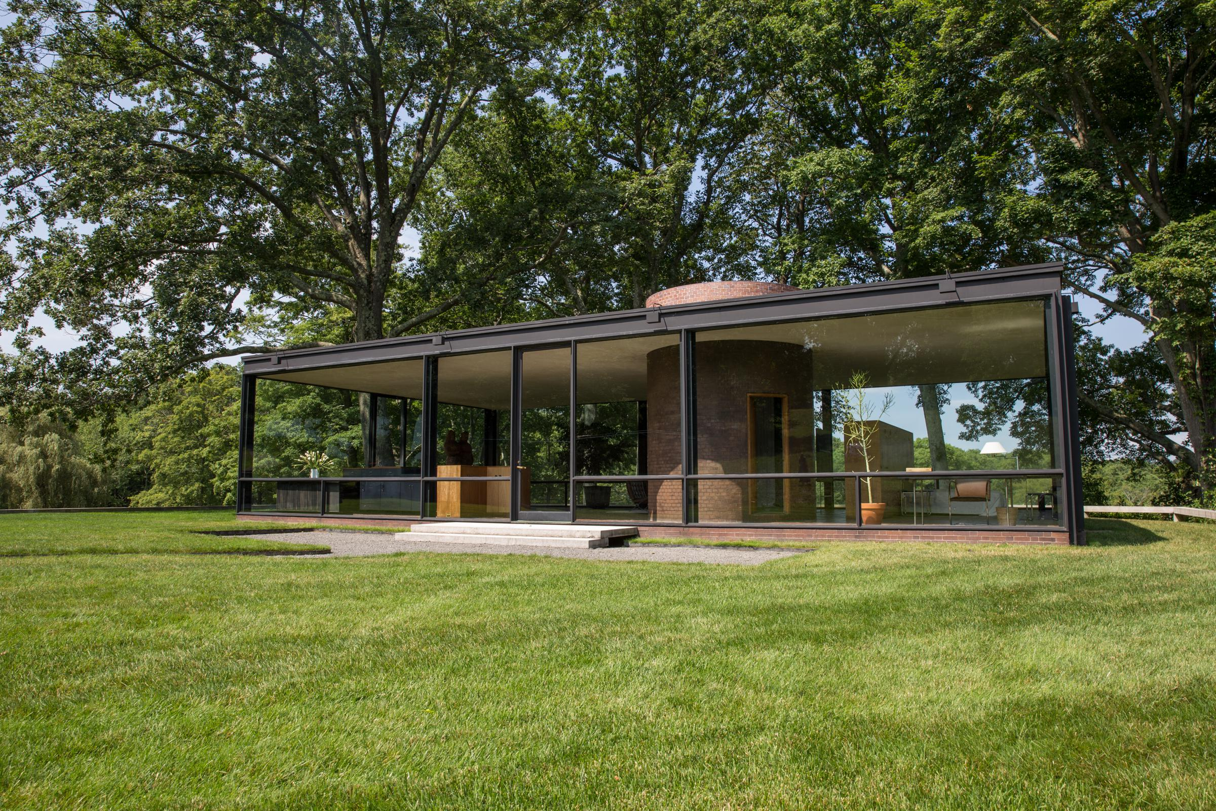 inside the glass house and philip johnson 39 s controversial life connecticut public radio. Black Bedroom Furniture Sets. Home Design Ideas