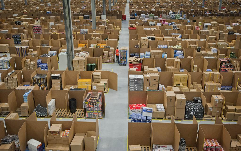 Amazon to open distribution center in North Haven; creating 1800 jobs