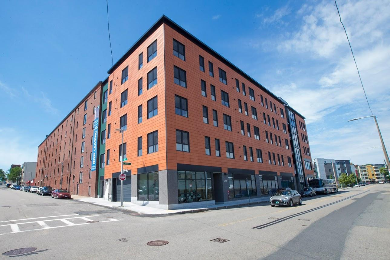 The Distillery North Apartments Is A New Luxury Apartment Development In South Boston Massachusetts It S Attached To An Old Mid 19th Century On