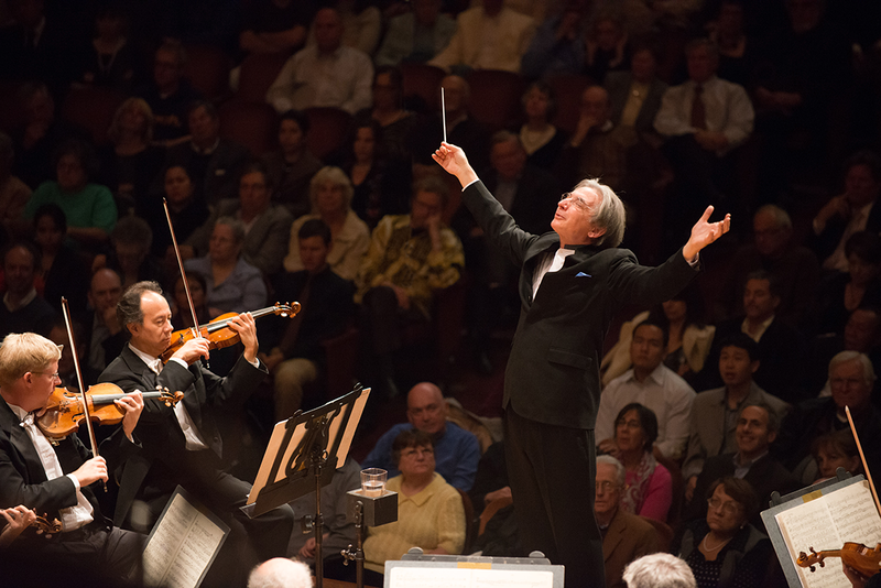 Michael Tilson Thomas conducts the San Francisco Symphony