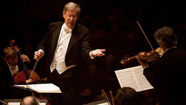 John Eliot Gardiner conducting at Carnegie Hall in 2012.