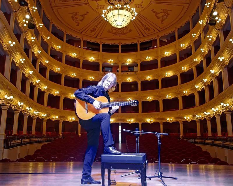 Classical guitarist David Russell on stage at Teatro Principal in Mao, Menorca