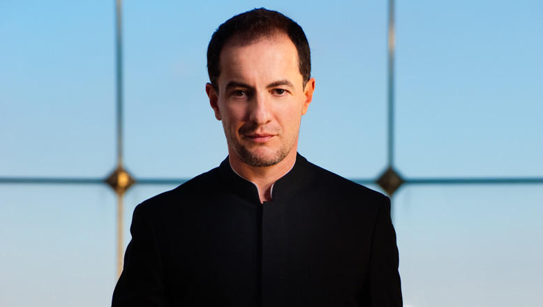 Rossen Milanov conducts Shostakovich, Mussorgsky, Rachmaninoff, and more this week with the Columbus Symphony