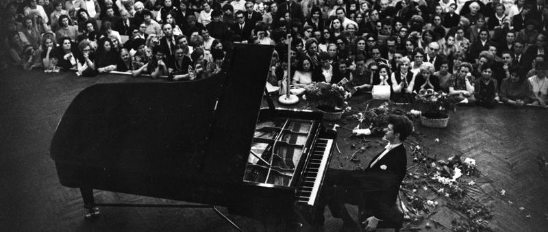 A 23-year-old Van Cliburn in 1958 at the International Tchaikovsky Piano Competition in Moscow