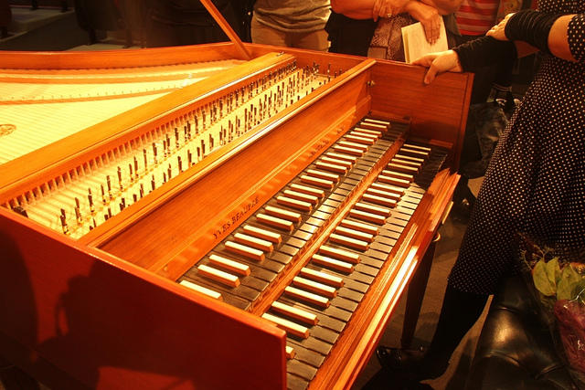 color photo of the keyboards of a two-manual harpsichord