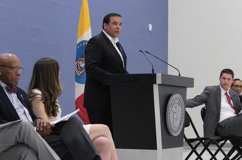Mayor Ginther shares his 2016 budget at the newly renovated Glenwood rec center.