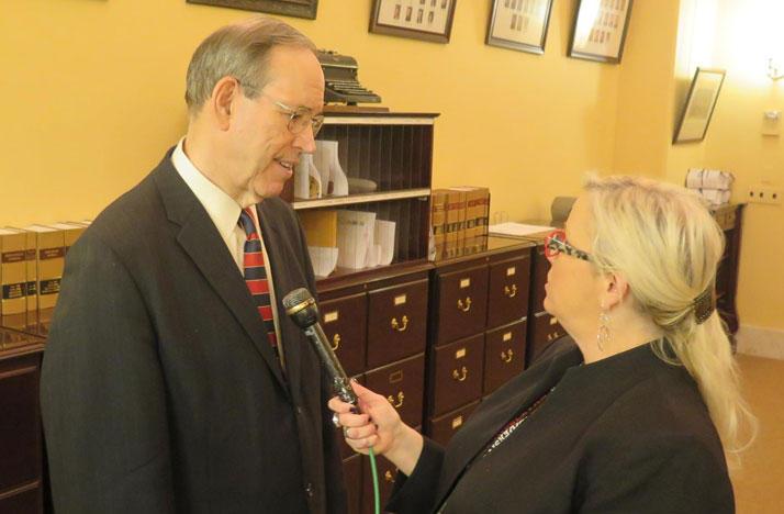 Former Governor Bob Taft speaks with reporter Jo Ingles.