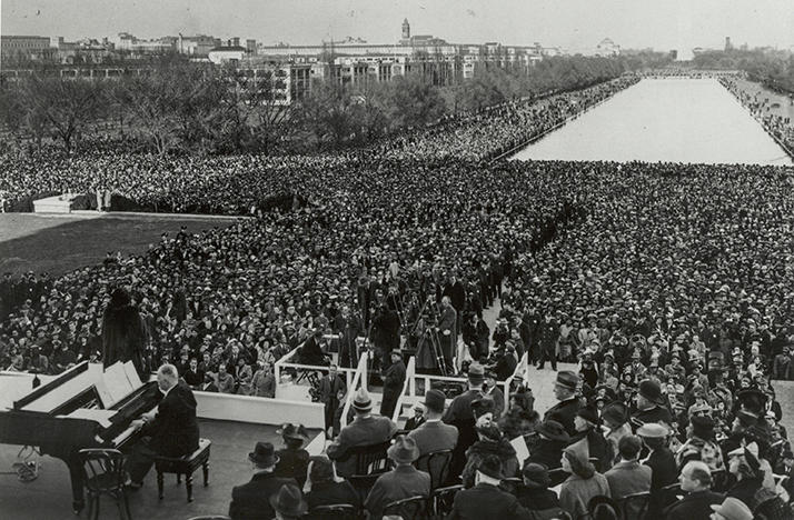 Marian Anderson performed in front of the Lincoln Memorial on April 9, 1939.
