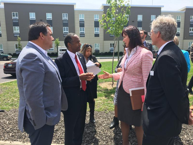 Carson toured the Van Buren Shelter and Village in Columbus with Mayor Andrew Ginther on Wednesday.