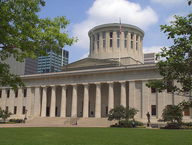 color photo of the facade of the Ohio Statehouse