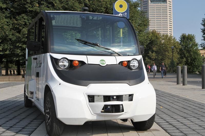 """These driverless shuttles, which can hold five people and a """"fleet attendant,"""" will circle Scioto Mile beginning in December."""
