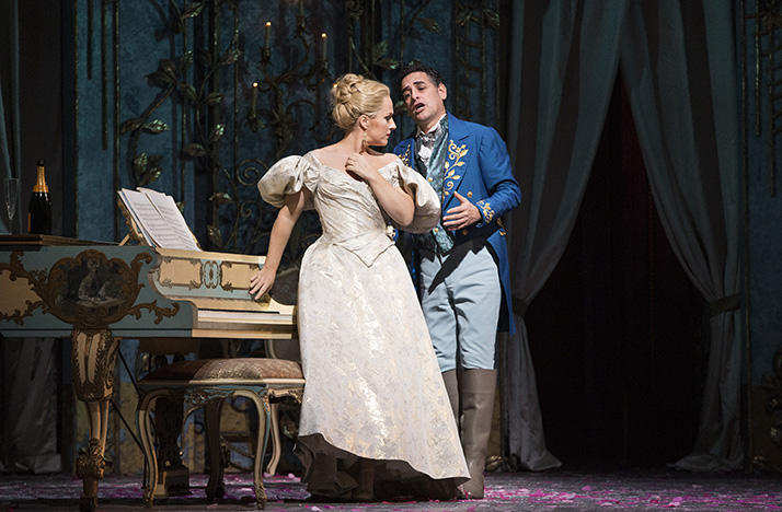 Diana Damrau as Violetta and Juan Diego Florez as Alfredo in La Traviata