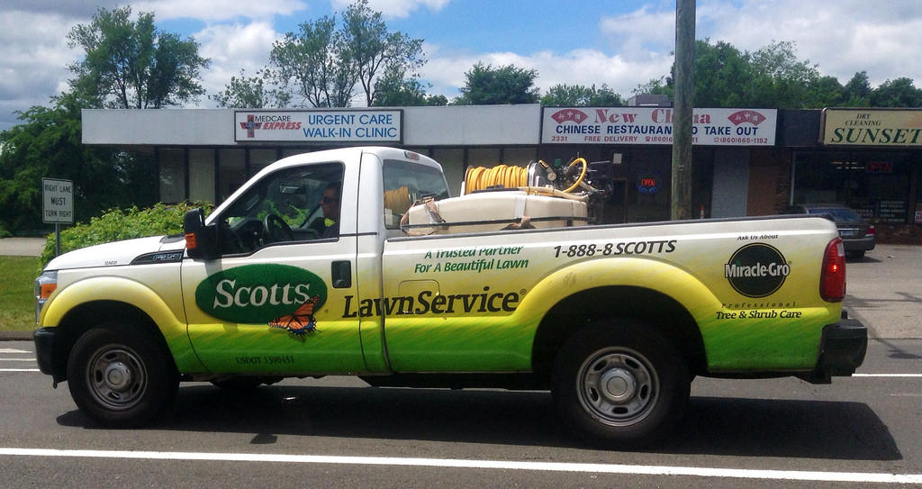 scotts makes play for marijuana industry by buying hydroponics