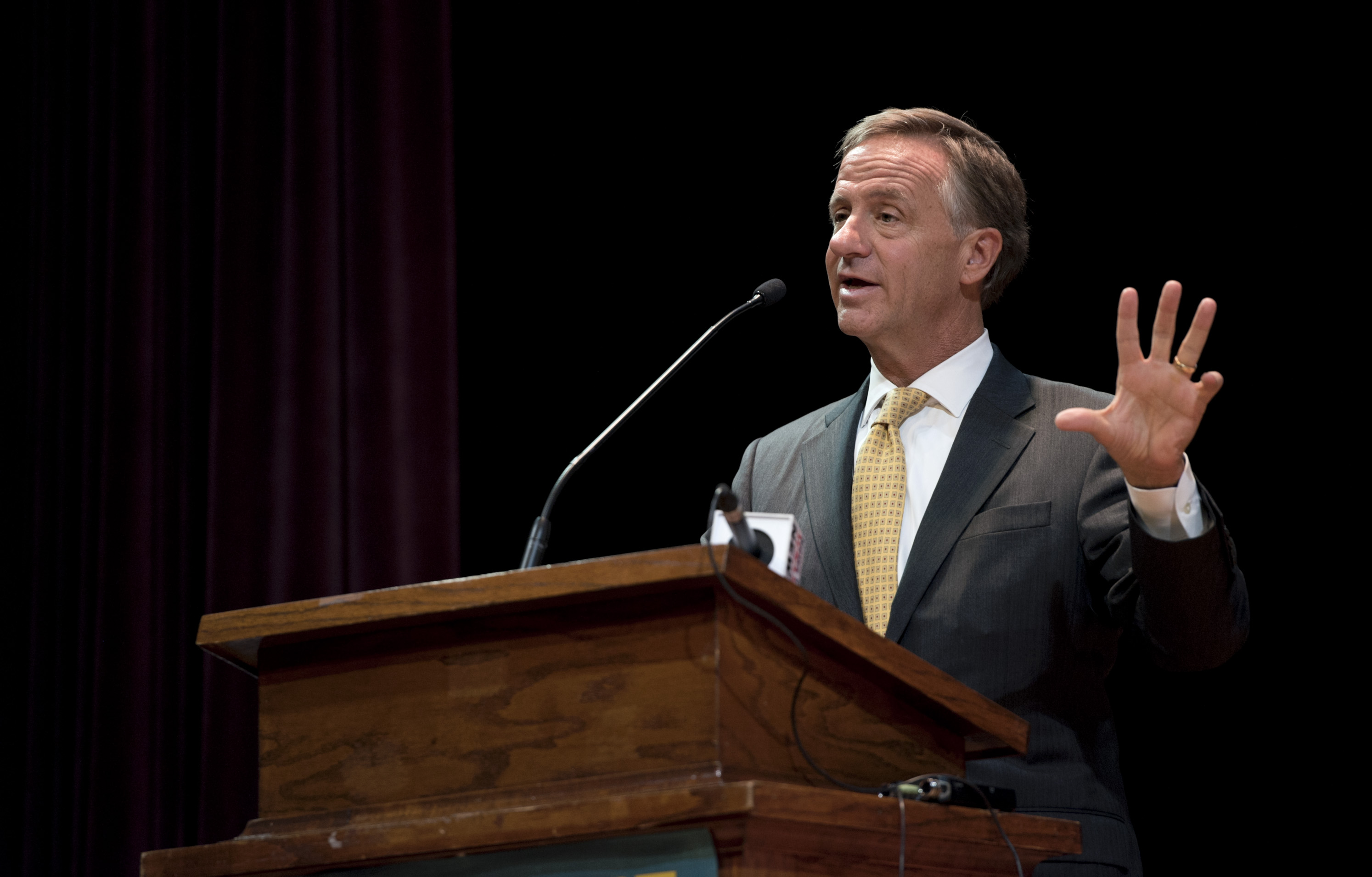 Gov. Haslam Still Trying To Arrange That Meeting With Donald Trump ...