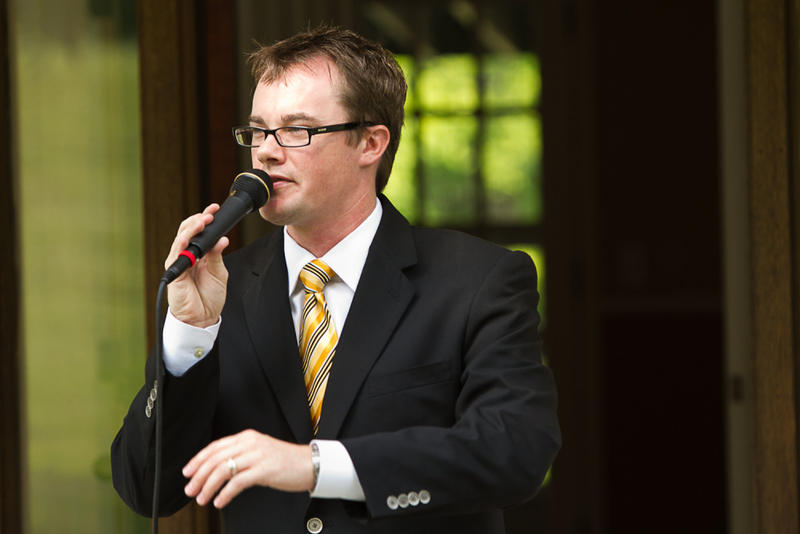 Auctioneer and businessman Justin Ochs won the 2012 International Championship based on his marketing skills, bid calling and interactions with the audience.