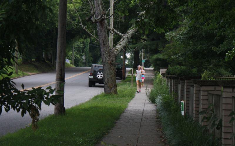 Bowling Avenue sidewalk