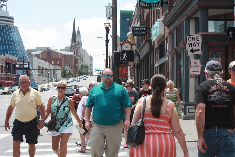 Nashville Lower Broadway sidewalks pedestrian scramble