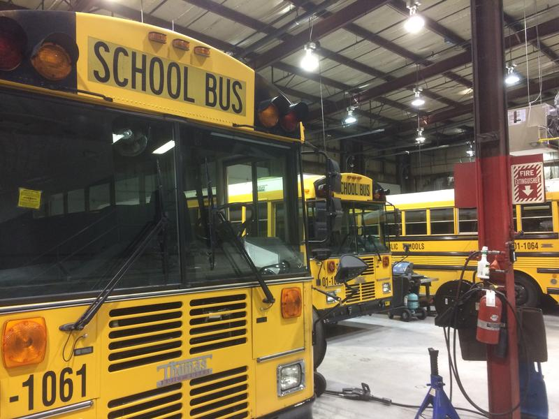 New school buses in Tennessee would have to come with seatbelts starting in 2019, under a plan being considered in the state legislature.