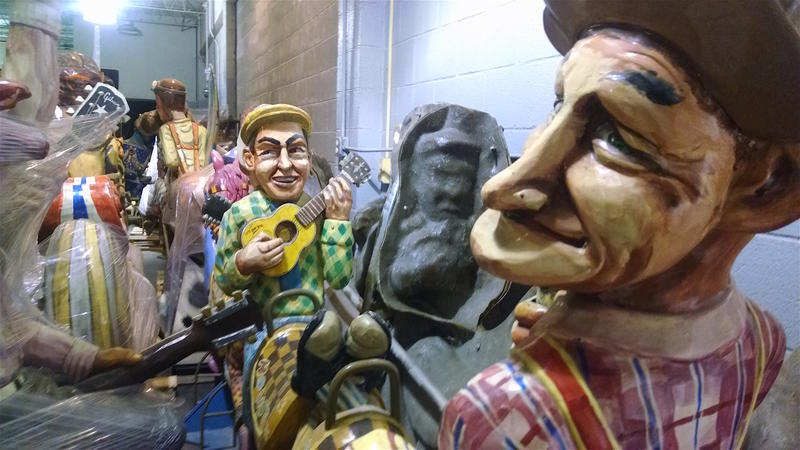 Entertainers, like the Opry comedians Lonzo and Oscar, make up a significant share of the carousel's figures.