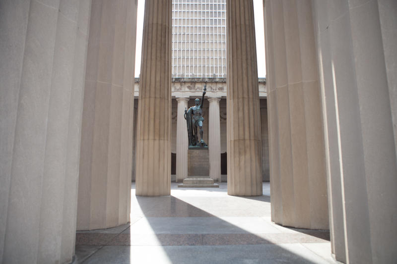 War Memorial Auditorium was built to honor the Tennesseans who died in World War I. The building includes bronze plaques that list 3,400 names.