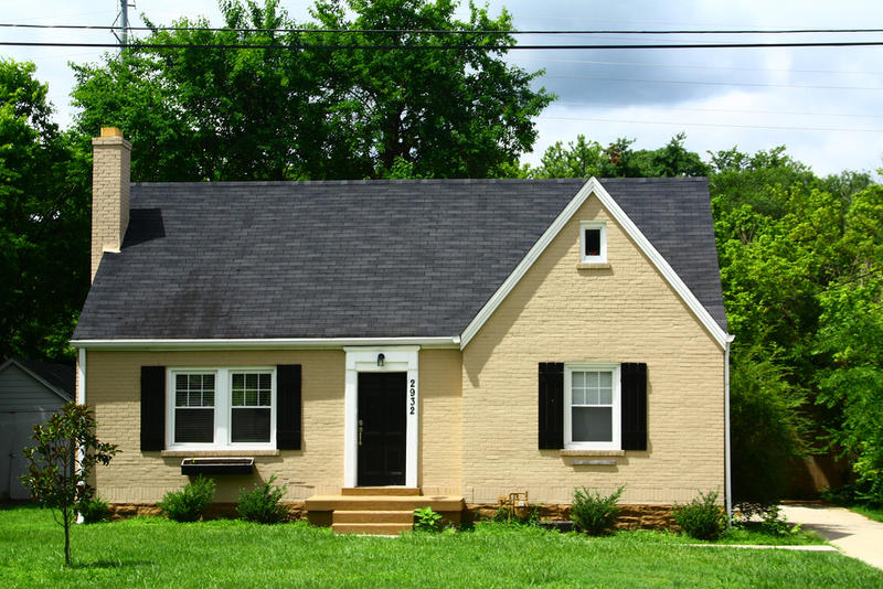 Nashville home sales are flat as inventory stays low.