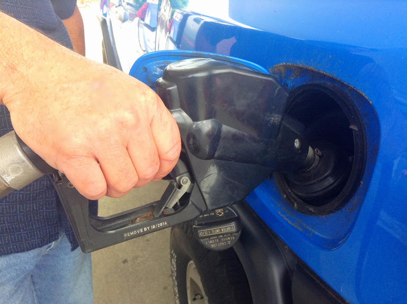 Tennessee lawmakers plan to phase in a proposed gas tax hike.