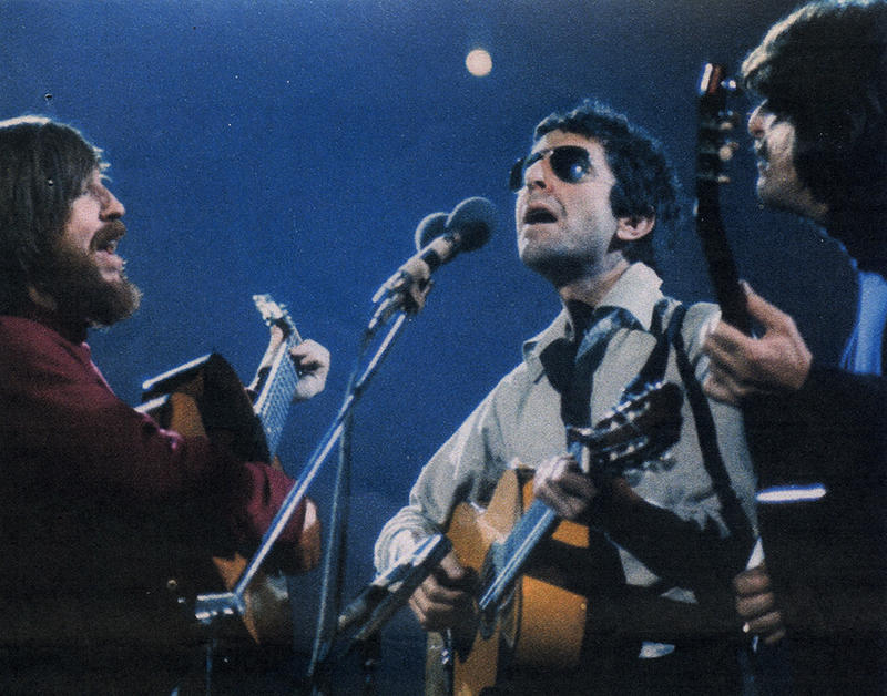Bob Johnston, Leonard Cohen and Ron Cornelius in concert at the Royal Albert Hall in 1973.