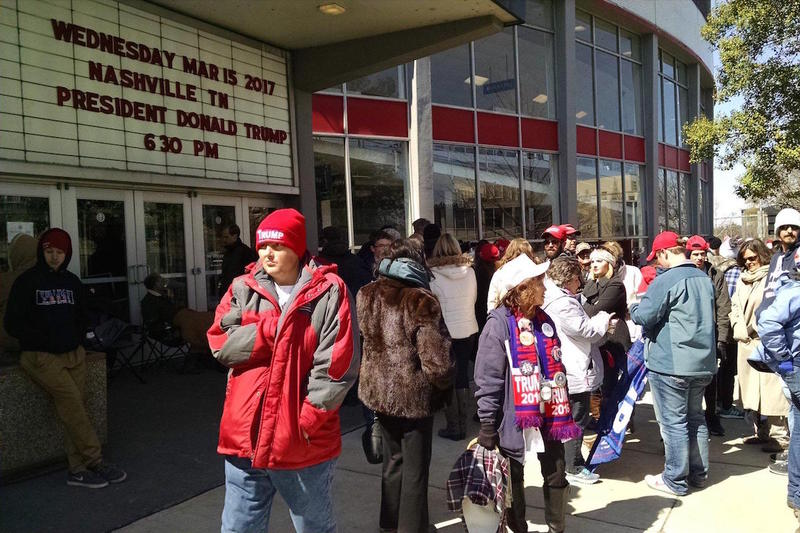 Outside Municipal Auditorium, the first attendees lined up at 6 a.m. The line later stretched for more than a mile.