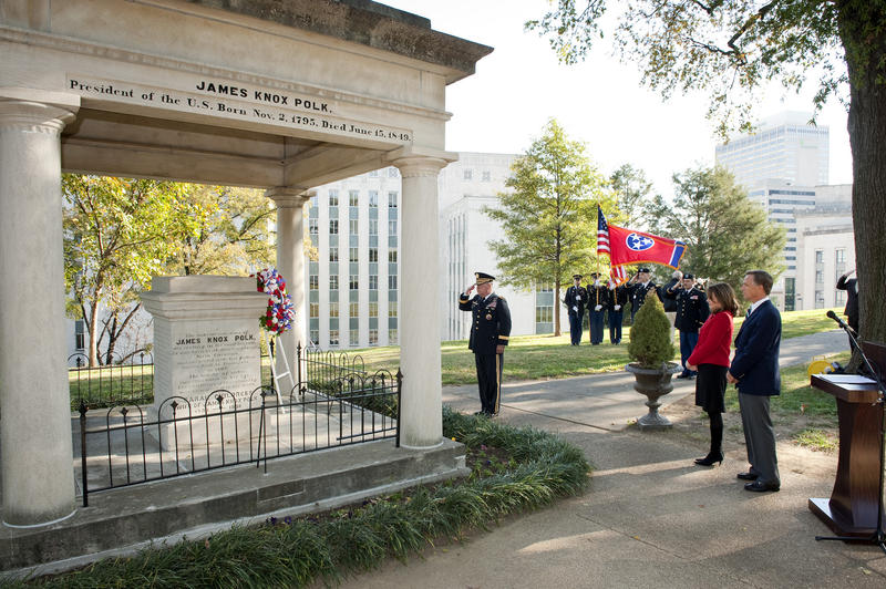 Gov. Bill Haslam lays a wreath at President James K. Polk's grave in 2012.