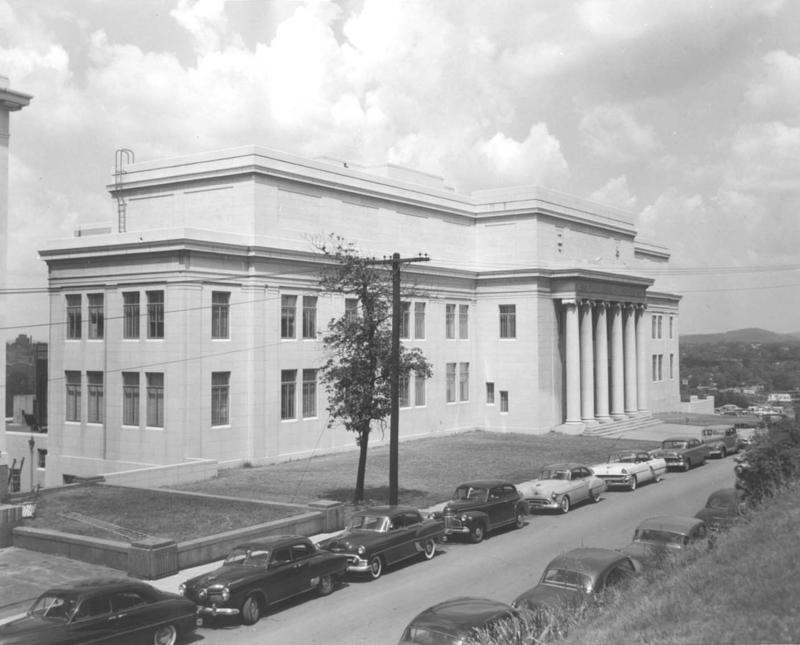 An exterior shot of the Tennessee State Library & Archives taken in the mid-1950s.