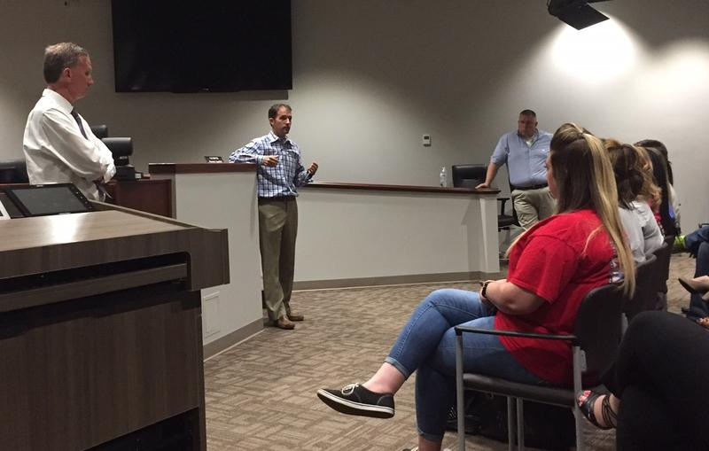 On Tuesday, Murfreesboro Mayor Shane McFarland met with managers of apartment complexes near the MTSU campus. Many have names that make them sound like university-owned housing.