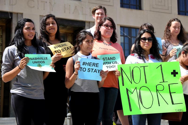 Advocates for new rules in dealing with federal immigration authorities rallied last week on the steps of the Metro Courthouse.