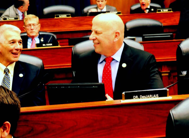 Congressman Scott DesJarlais wants patients to have more responsibility in reducing misuse of opioid prescriptions.