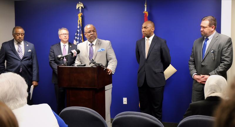 "Rep. John DeBerry, Jr., D-Memphis; Sen. Kerry Roberts, R-Springfield; Rep. Antonio Parkinson, D-Memphis; Senate Minority Leader Lee Harris, D-Memphis; and Rep. Jeremy Faison, R-Cosby. The bipartisan group announced ""fresh start"" legislation on Monday."