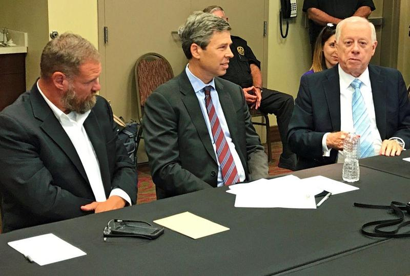 Marion County Superintendent of Schools Mark Griffith, Chattanooga Mayor Andy Berke, and Democratic candidate for U.S. Senate Phil Bredesen talk about rural broadband at a roundtable discussion in Marion County.