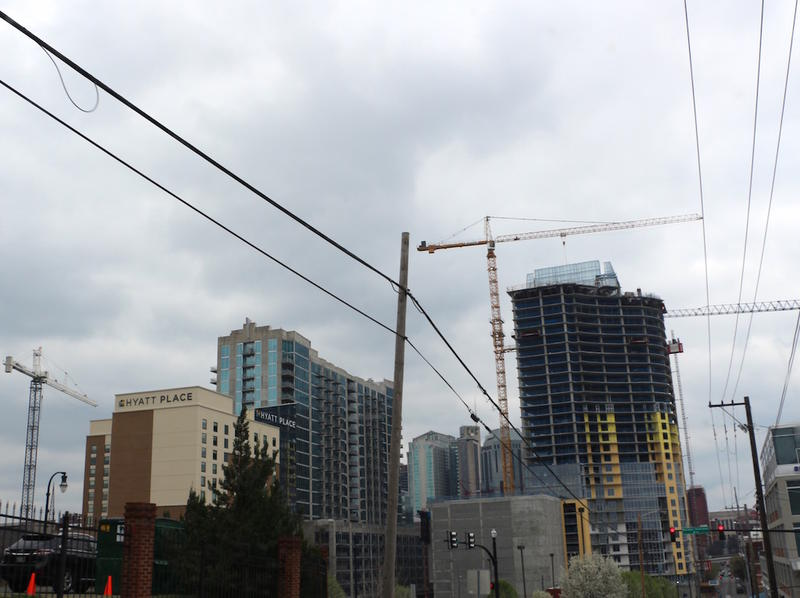 downtown Nashville crane construction