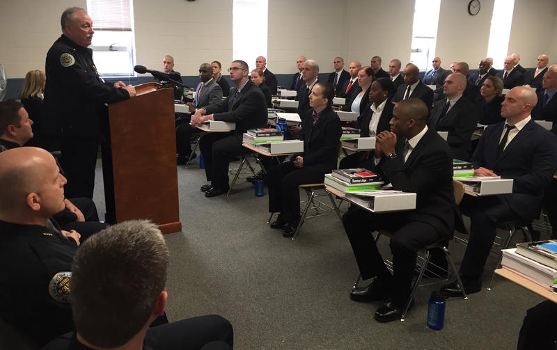 Police Chief Steve Anderson speaks at Police Academy (archive)
