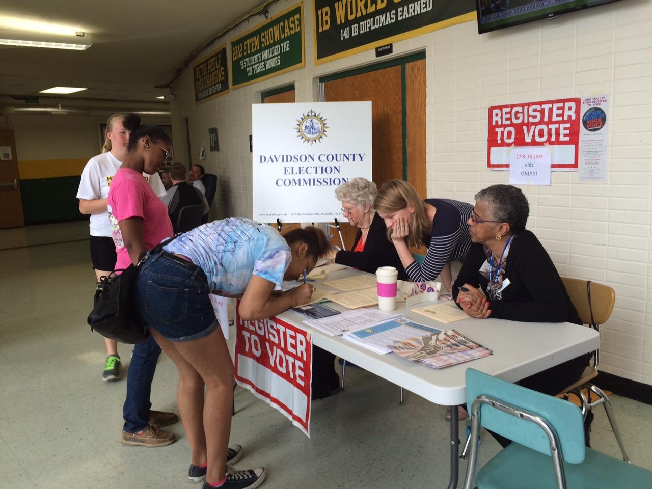 Nashville High Schoolers — Some Still Just 17 — Register To Vote ...